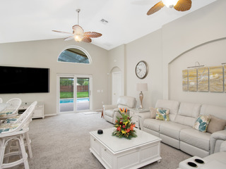 Beautiful Villa w/pool in the popular West Haven Community 10 min to Disney!