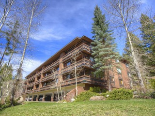 Fantastic Condo on Burgundy Hill - image