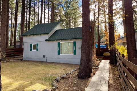Larch Cabin Vacation Rental in City of South Lake Tahoe - RedAwning