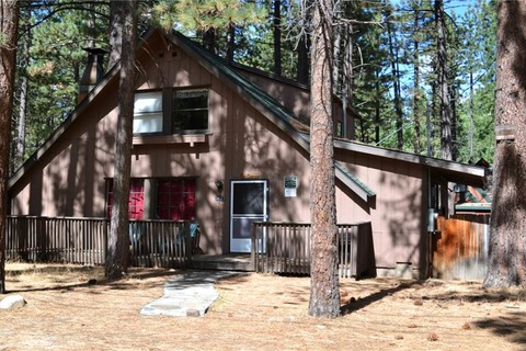 Birch Country Cabin Vacation Rental in City of South Lake Tahoe - RedAwning