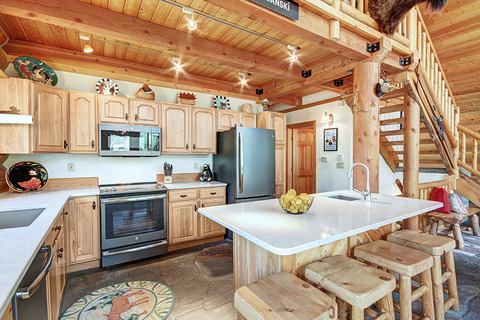 Elk Trail House Vacation Rental in Breckenridge - RedAwning