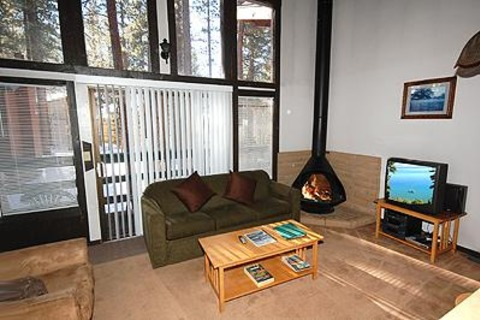 3861 Saddle Road Vacation Rental in City of South Lake Tahoe - RedAwning
