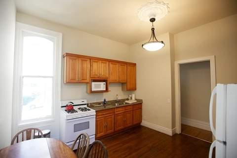 Pierce Place Lower Unit Vacation Rental in San Francisco - RedAwning