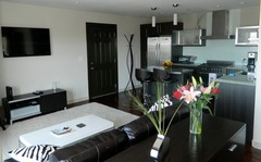 Stunning Furnished 2 Bedroom Z